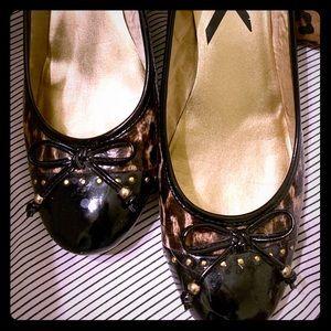 Anne Klein leopard wedge heels. 10M.